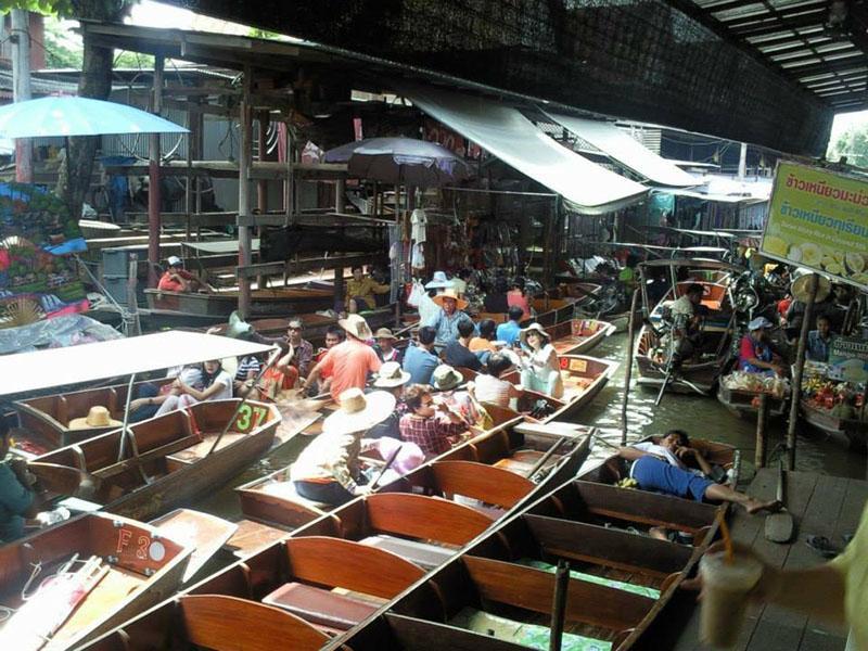 Damnern Saduak Floating Market (650 THB)