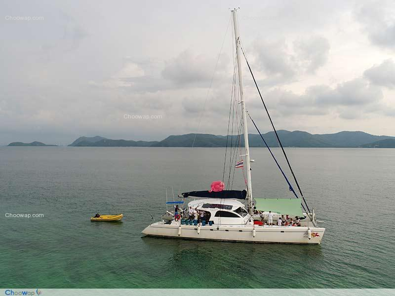 One Day Tour Snorkeling with Yacht Club